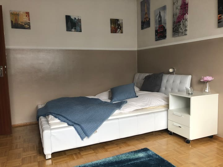 Charmantes Privatzimmer in Ismaning II