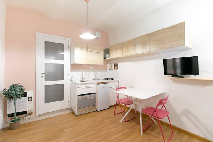 Saragozza Apartment 5: Bright and central flat