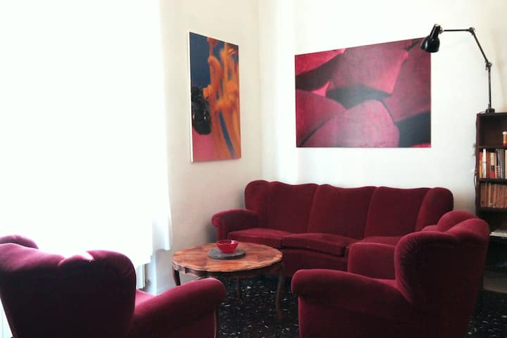 Modena Gallery House