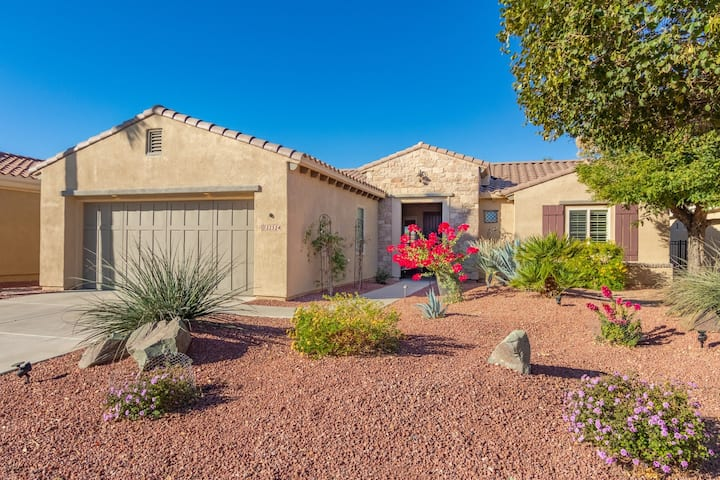 Corte Bella Golf Course Home with Mountain View