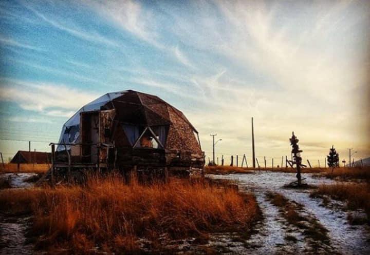 Refugio Fossil. Domos Patagonia. Puerto Natales.