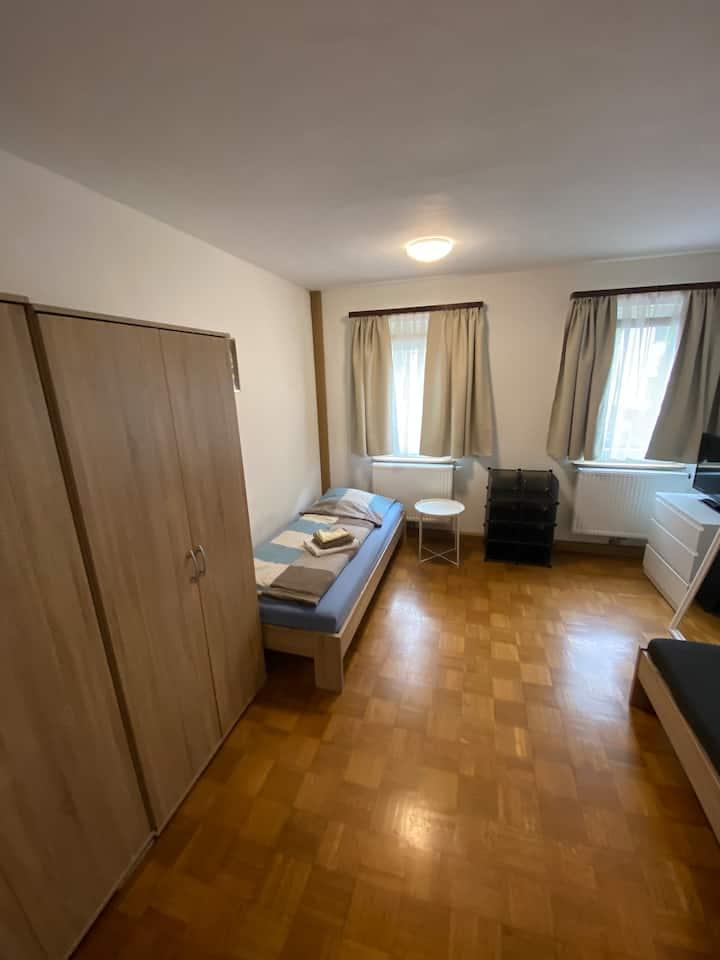 Einfaches Privatzimmer Nr.1