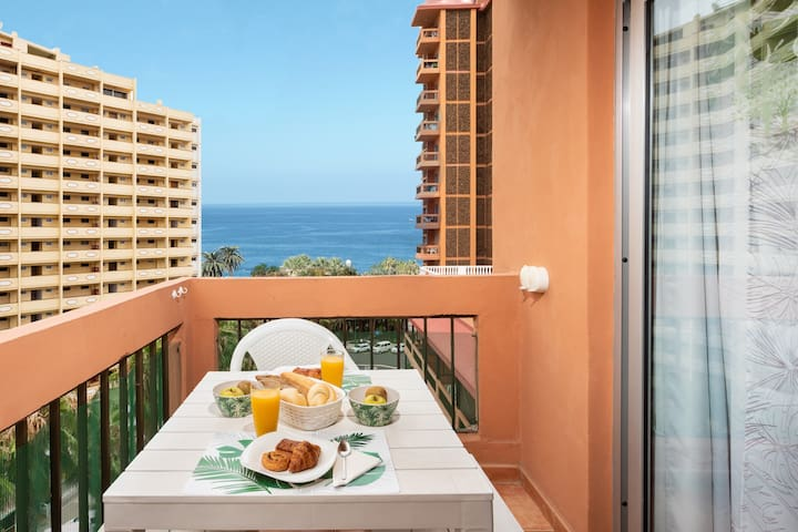 Ocean View Tropical Modern Studio by the Beach