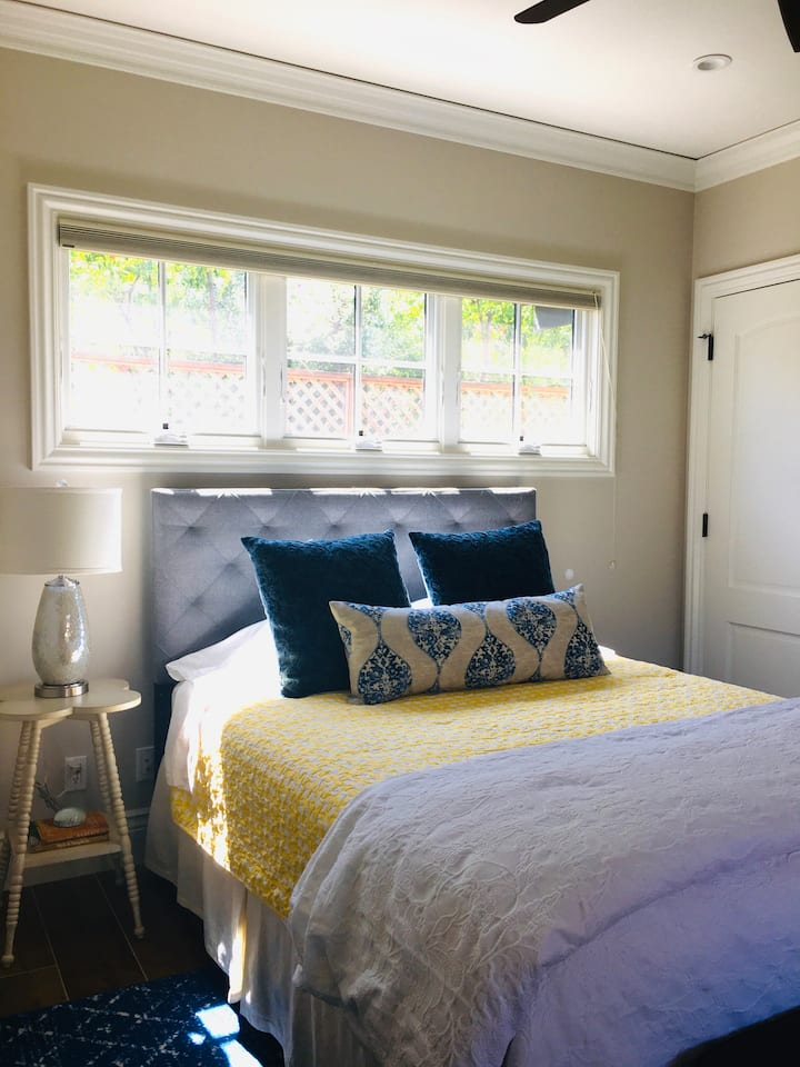 5 Star Mt Camel Cottage: Beautiful, Comfy, Clean