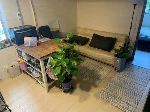 Private room in a home share, Quarry Bay