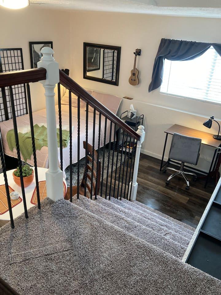 Private Entrance*Studio Apartment* Desk*Quiet