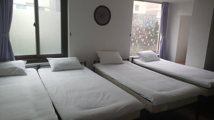 プチホテル和歌山 個室 4名様迄 トイレ シャワー