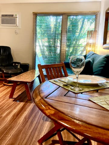 Heart of Lahaina - One bedroom with Air Condition