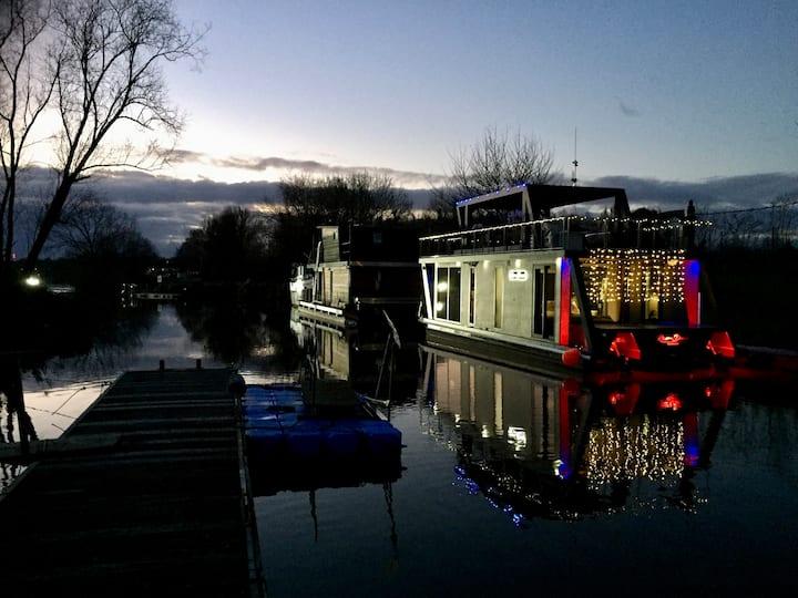 River-Dream Hausboote/  Event-Partyboot, Frankfurt