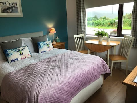 Millview Private Room 2 Kingsize ensuite Ullapool