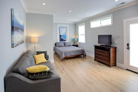 Modern Private Studio  Close to SFO  SF and Beach!