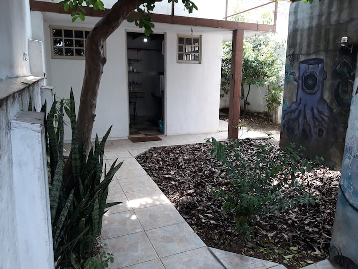 Private cottage with yard in the heart of the city