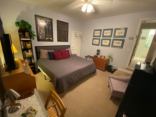 King-size bed, 32-inch TV, and plenty of space.