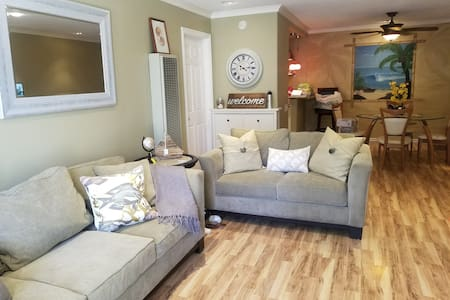 A different angle of level living area from entry