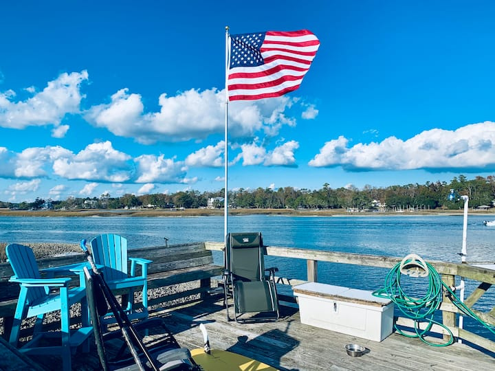 Waterfront 24' Boat Slip, Allow Dogs, Pages Creek
