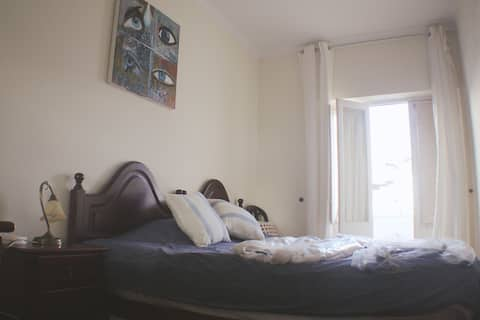 ROOM (Single)(Doublebed-2 single beds together)