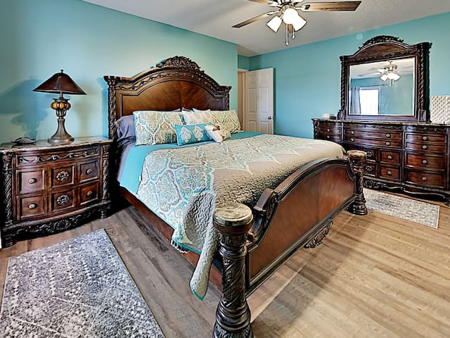 Master bedroom with King size bed and luxury mattress