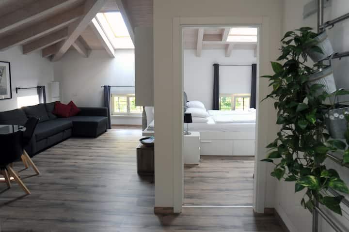Trento Suite E (mansarda con garage in centro)