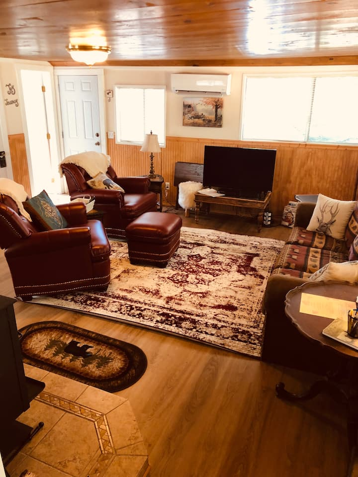 Peace of Your Harte LakeCottage All Season Comfort