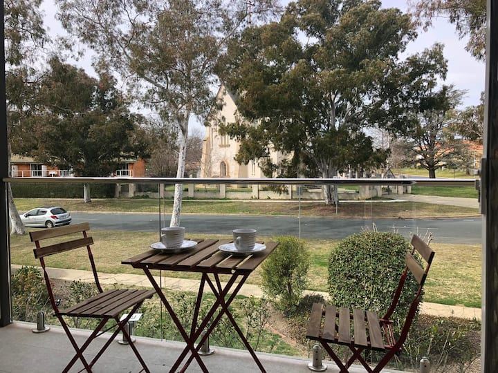 Canberra self contained studio in central location