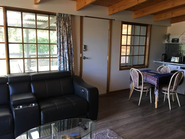 Unit 3 (1 Bedroom)  Dodges Ferry Holiday Rentals
