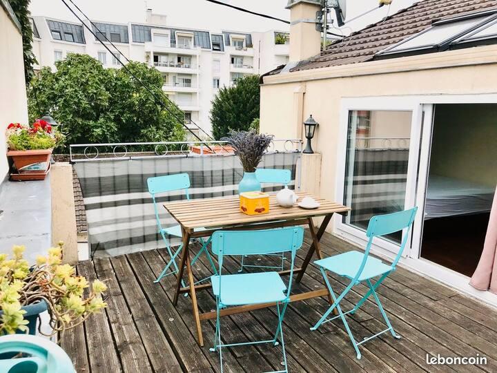Appart 2 pc, neuf, terrasse, parking proche Paris