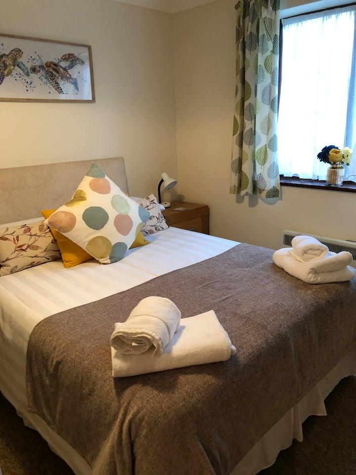 QSC 2 bedroom apartments. Poole Quay 5mins walk.