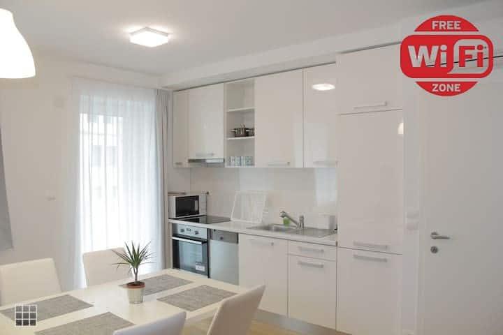 BETARIEL Apartments S22, Luxury Deluxe Apartment