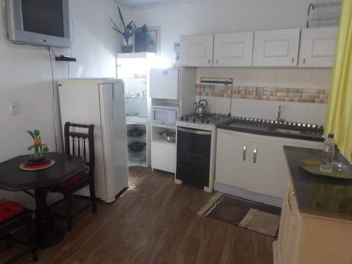 Apartamento novo bem arejado