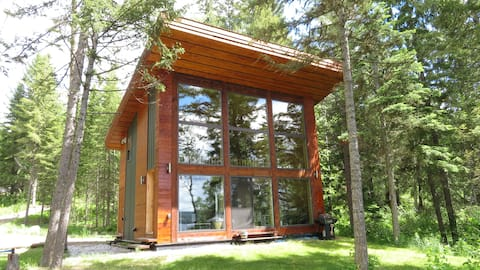 Beautiful Waterfront Cottage in Northern BC