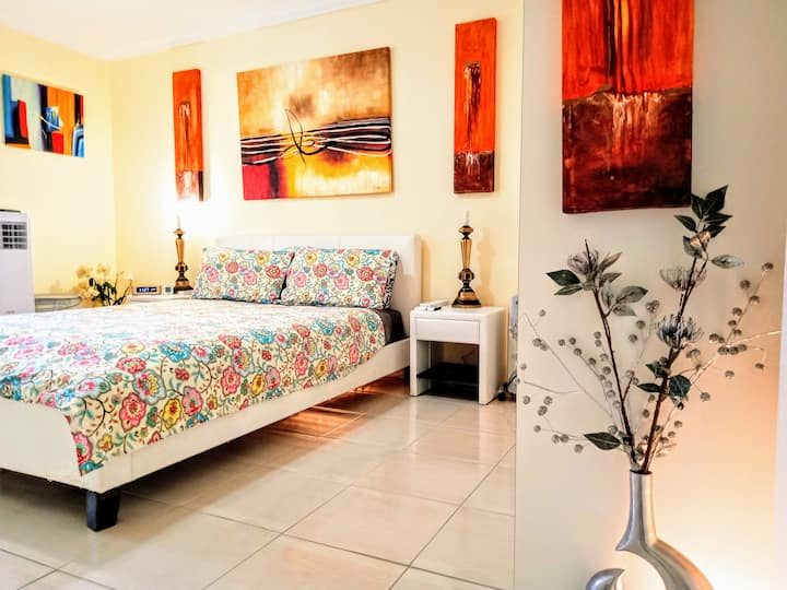 Hilltop intimate flat◄50m²►of great southern land!