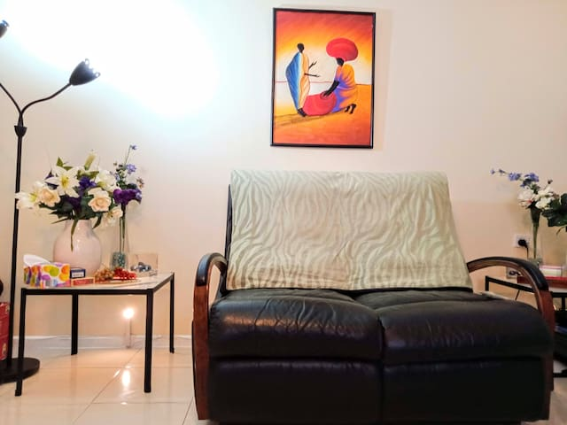 Intimate hilltop◄50m²►act! a capital 1br flat!