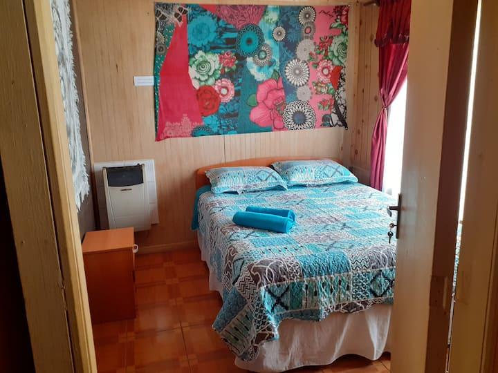 Habitación/2 personas/cama 2 plazas/baño privado