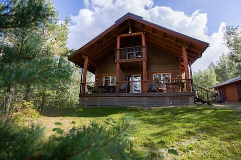 Villa Lummelahti,  talo Saimaan rannalla