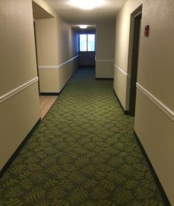 這是单元楼层过道