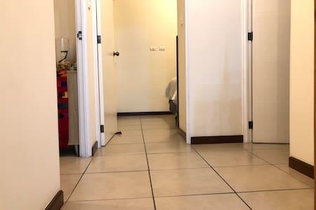 No hay escalera para los cuartos y baño
