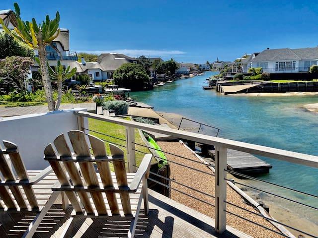 CANAL HOUSE - Luxury Accommodation