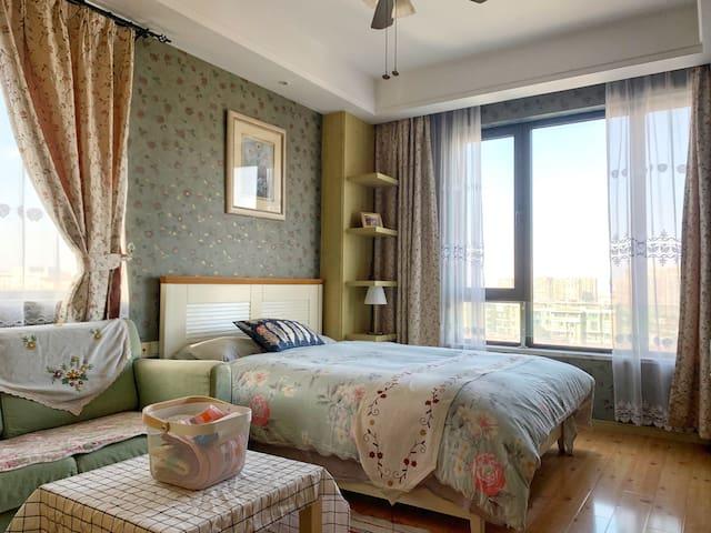 Double room of Lux Suite FREE Ningbo University