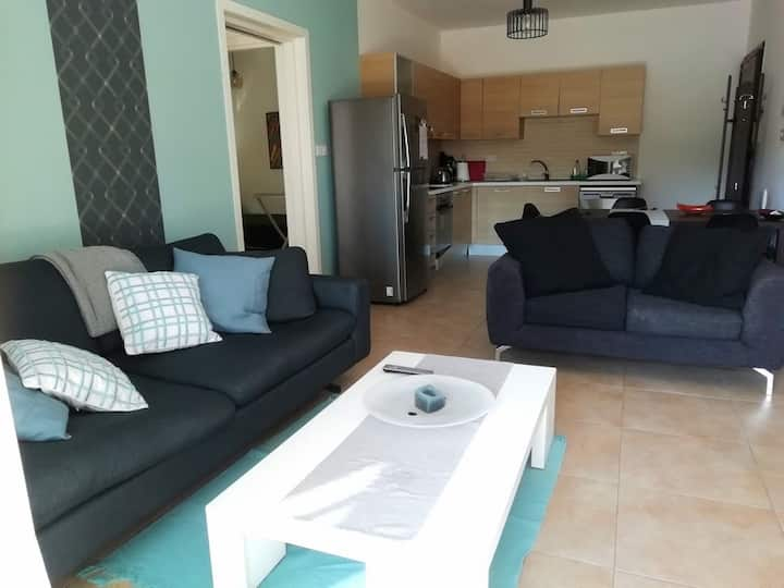 GREAT 3 bdr. Family apartment across the sea