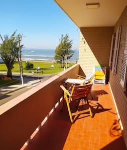 Apartamento 3 quartos - Prainha, 1 quadra do mar