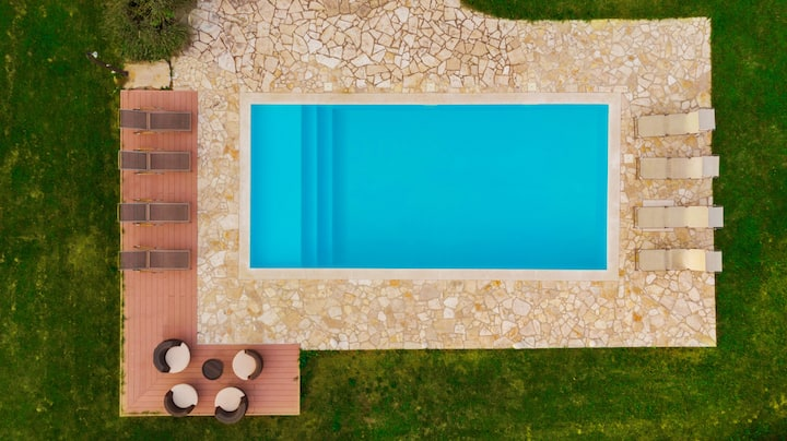 Villa with private pool - health safe place