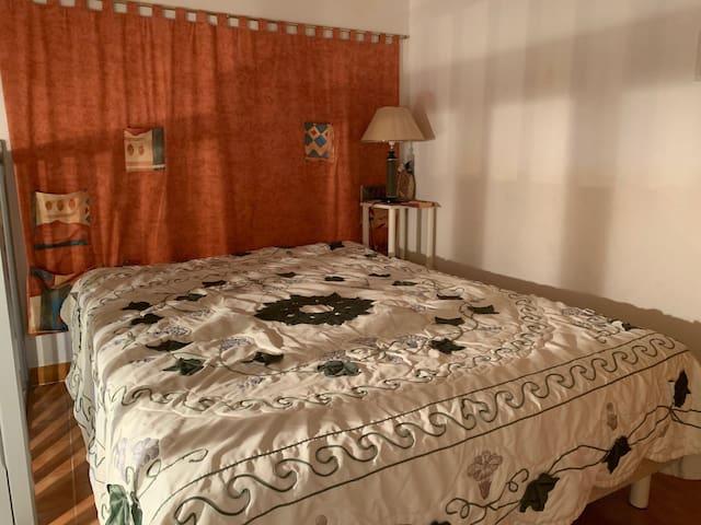 chambre 1 : lit 180 par 200