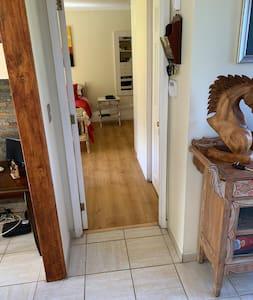 Primer piso sin escaleras y acceso directo a baños