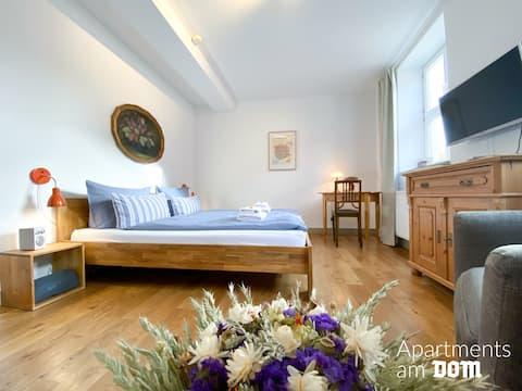 Naumburg: Zentrales, sonniges Apartment am Dom