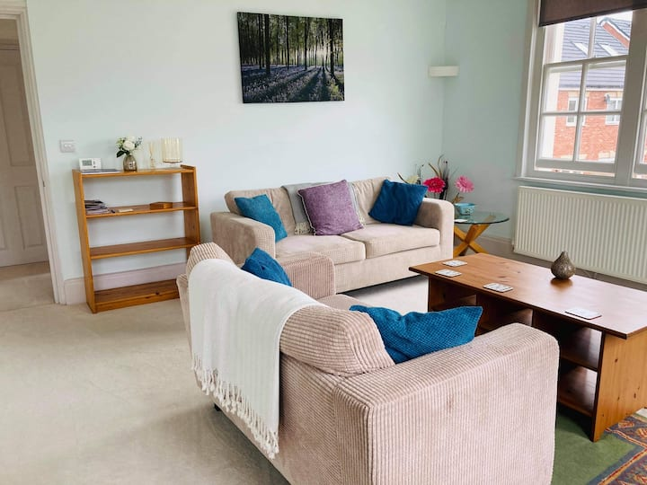 2 Bedroom Flat in the Heart of Berkeley