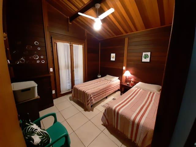 Quarto 2 - Duas camas box (piso térreo)