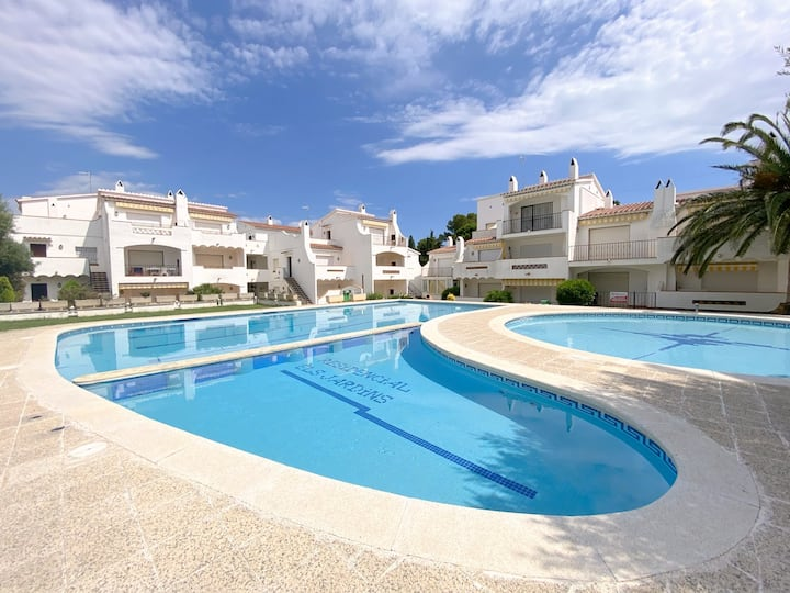J-34 1 bedroom apartment in Puig Rom area with private parking and communal pool