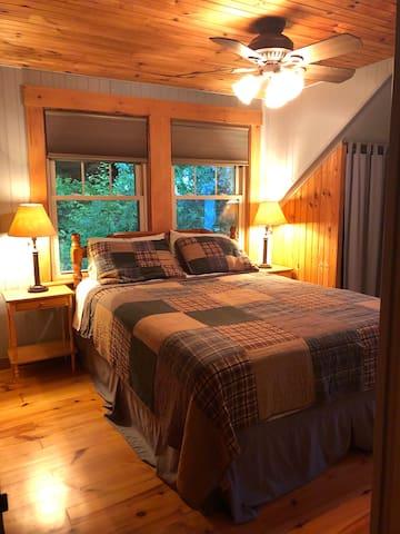 Bedroom 3 with queen bed