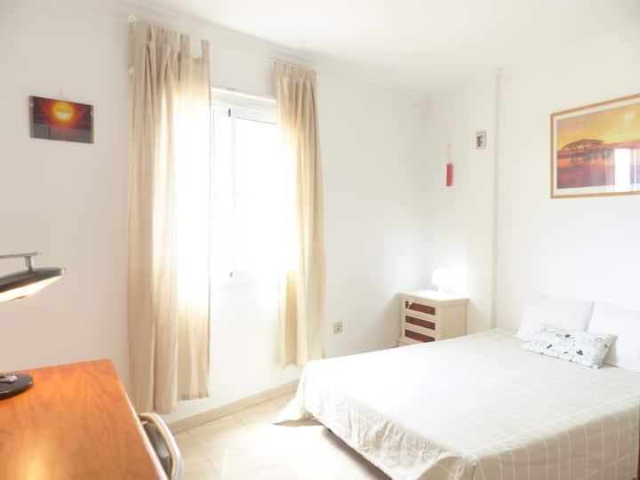 Gran dormitorio vistas mar, cerca playa y montaña