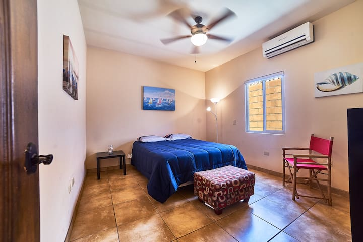 2 Room.